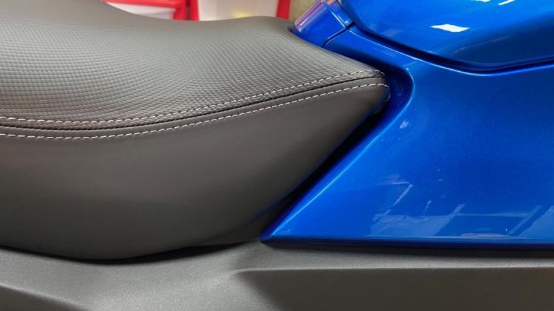 seat03.jpg